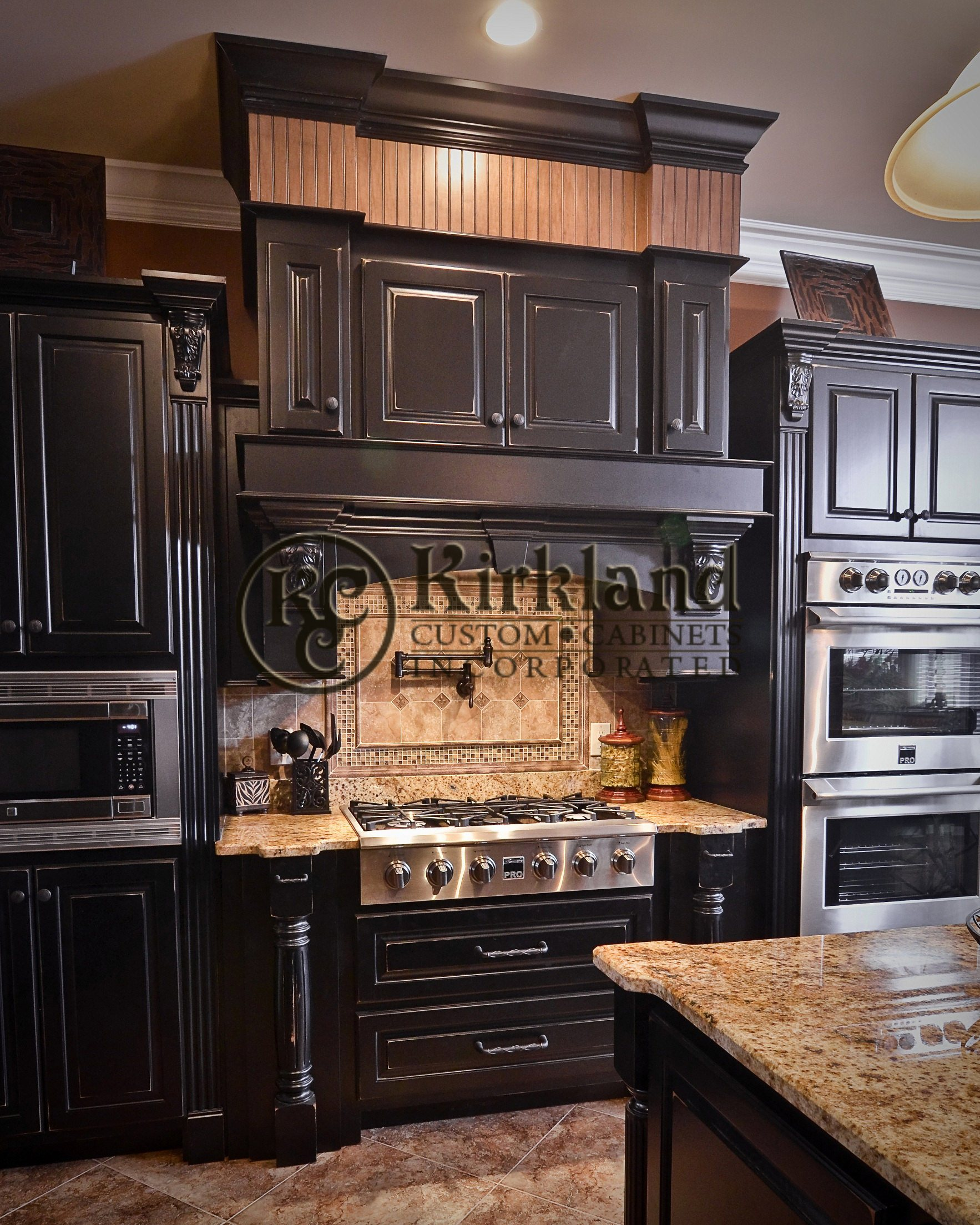 French kitchens kirkland custom cabinets inc for Wood kitchen cabinets