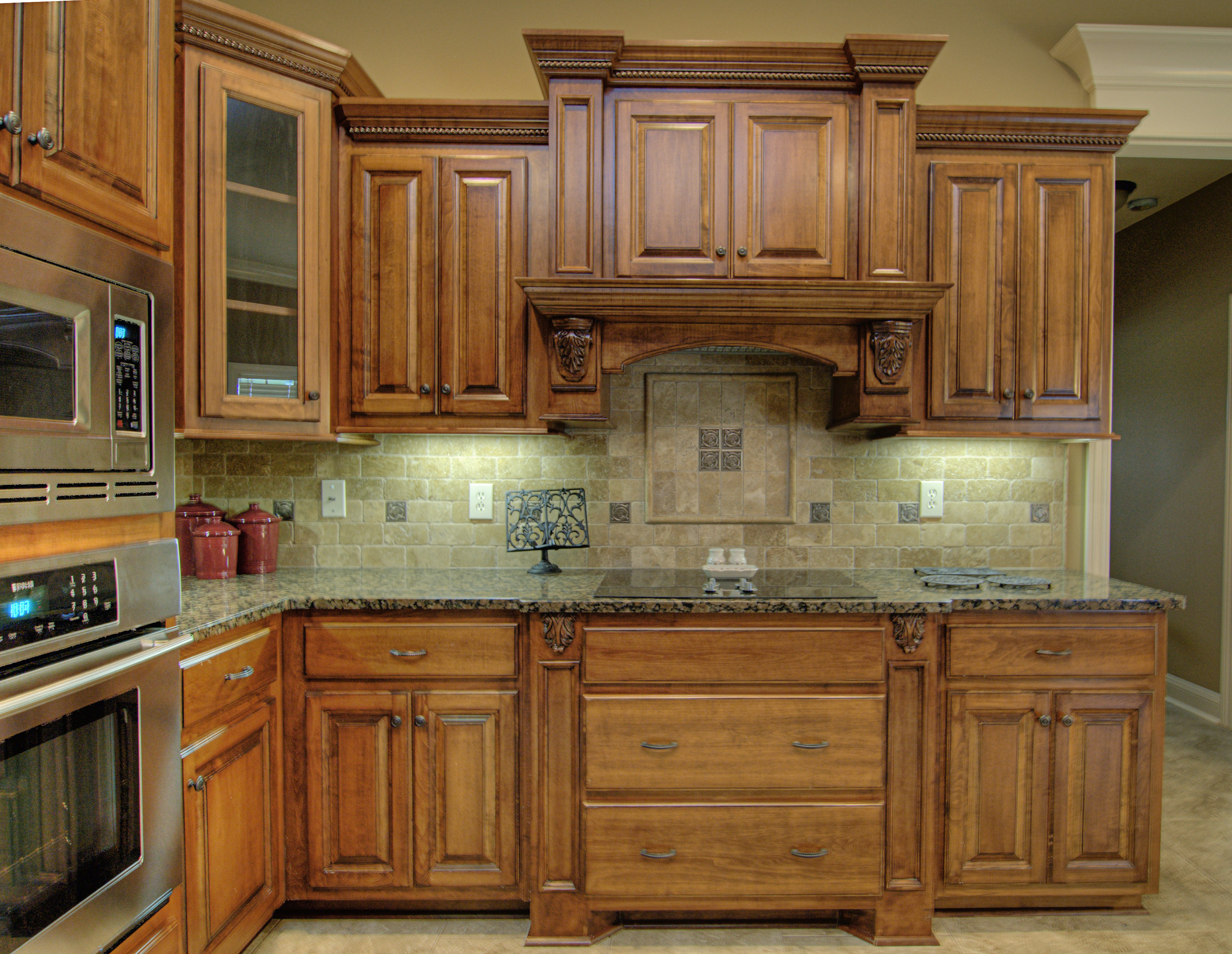 Honey Stained Maple Kitchen Cabinets