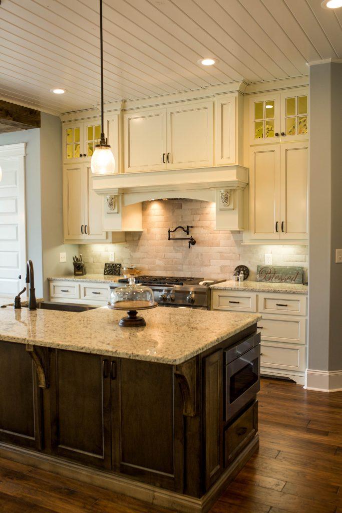 Kitchen custom cabinet